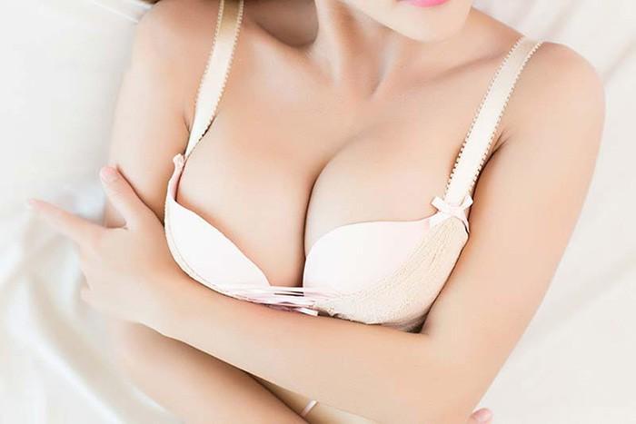 làm ngực ở nhân hậu